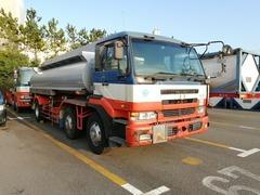 UDトラックス(日産) 大型 タンクローリー KL-CV27E (7205) 1枚目
