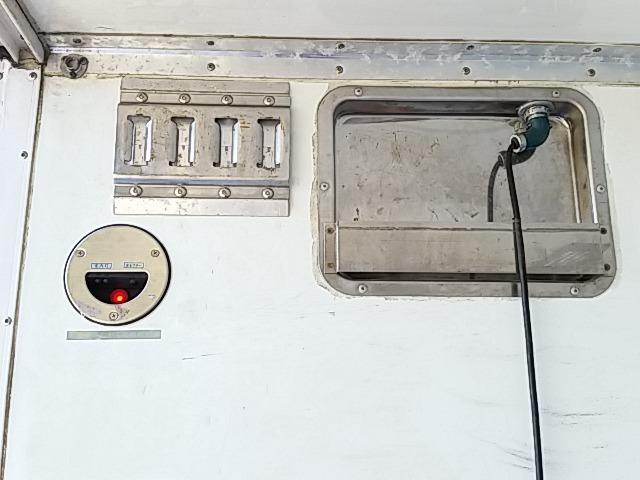 いすゞ フォワード 中型 冷凍冷蔵バン PKG-FRR90S2(8237) 84枚目