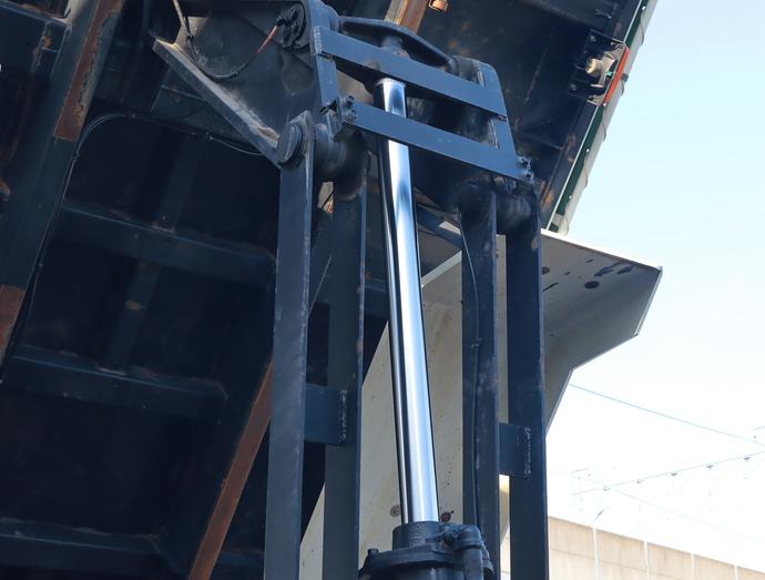 いすゞ ギガ 大型 L・Fゲート 2PG-CXZ77CT(14875) 12枚目